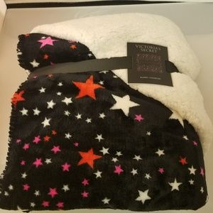 Victoria's Secret Cozy Star Sherpa Blanket Limited